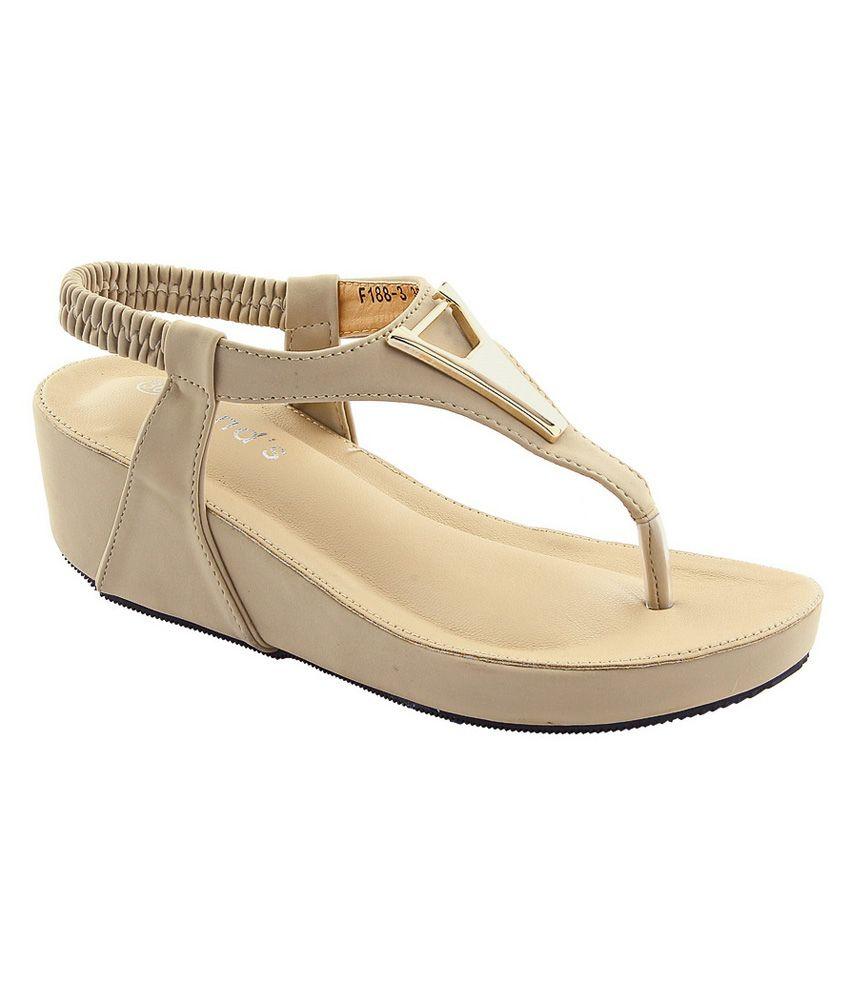 Deevee Trend's Beige Faux Leather Heeled Sandals