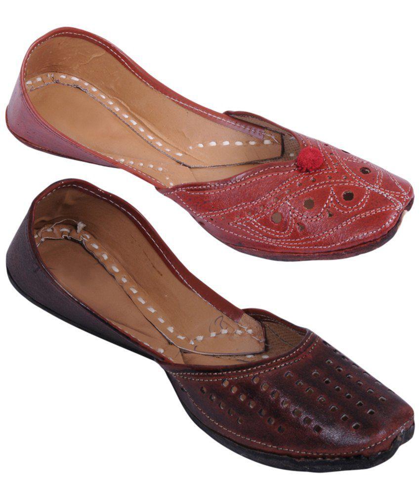 Rangaama Combo of 2 Red & Brown Jaipuri Mojris For Women