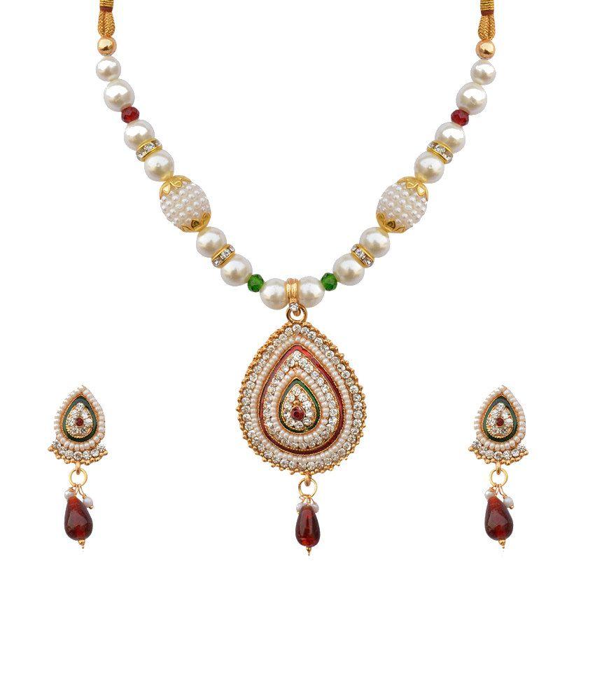 The Pari Glitzy Style Diva Necklace Set