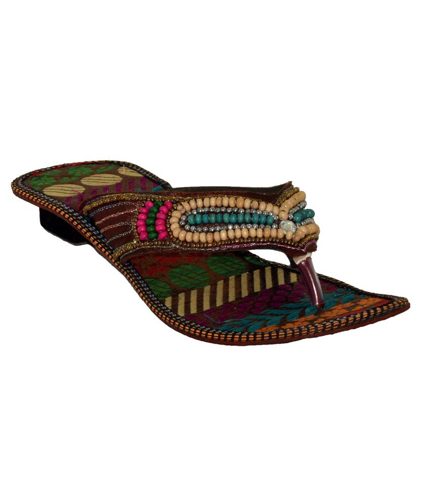 Alankrita Multicolor Ethnic Slippers