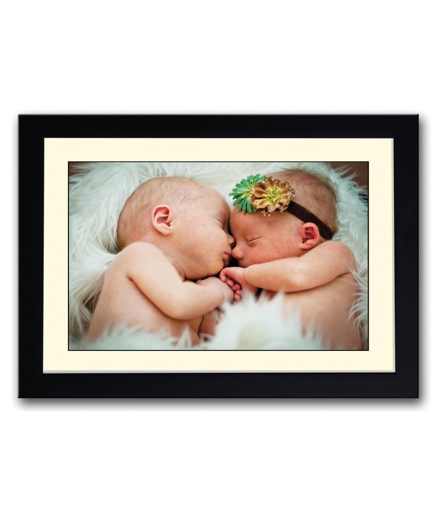 Artifa Matte 2 Cute Babies Hugging Painting With Metal Frame