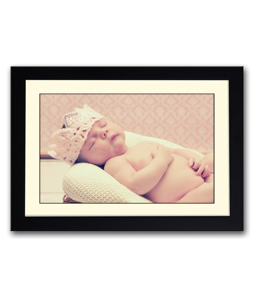 Artifa Matte Baby Sleeping With A Cute Crown Painting With Wood Frame
