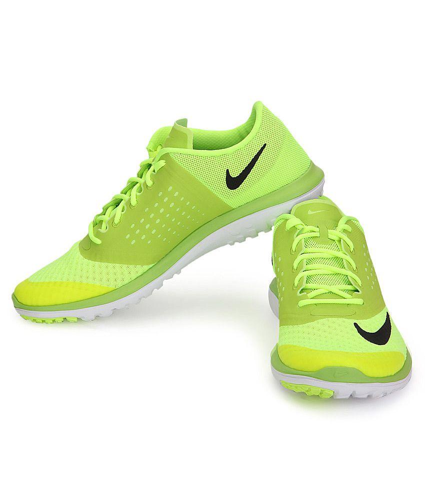 a1dd8cbc72e Nike Fs Lite Run 2 Green Sports Shoes - Buy Nike Fs Lite Run 2 Green ...