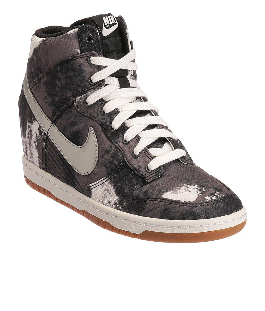 new product a2f29 155a0 Nike Dunk Sky Hi Print Multi Colour Casual Shoes Price in India- Buy Nike  Dunk Sky Hi Print Multi Colour Casual Shoes Online at Snapdeal
