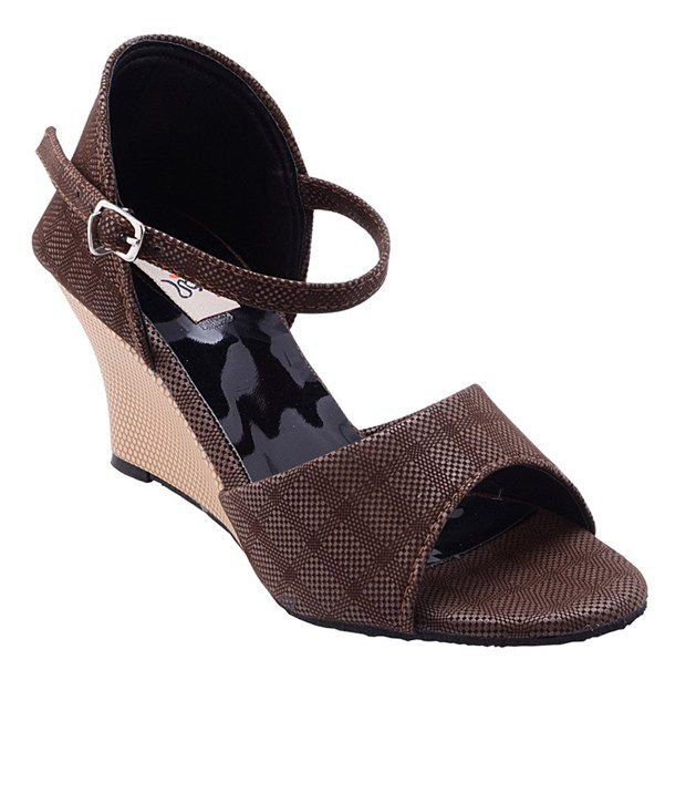 Rung Brown Sequence Sandals