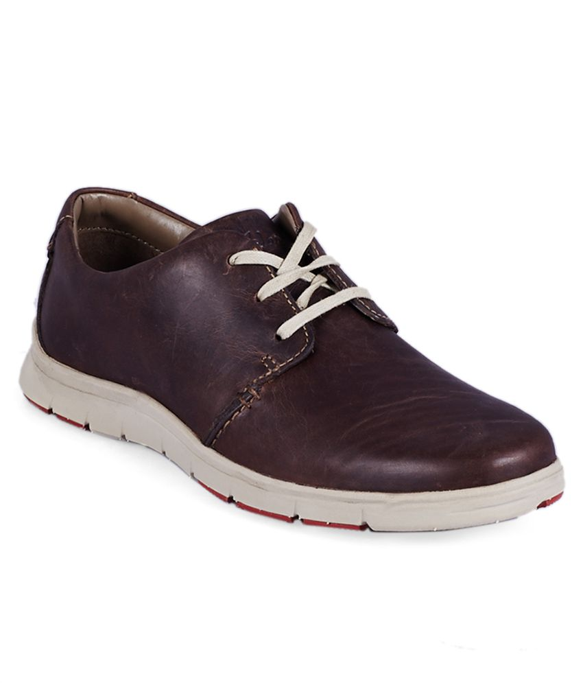 Buy Clarks Footwear Online at Amazon India At konkhmerit.ml, you will be able to find an elaborate selection of Clarks footwear for women, men and children. You will be able to find various types of footwear like fashion sandals, casual slippers, ballet flats, sneakers and much more for women while you will be able to find formal shoes, loafers and.