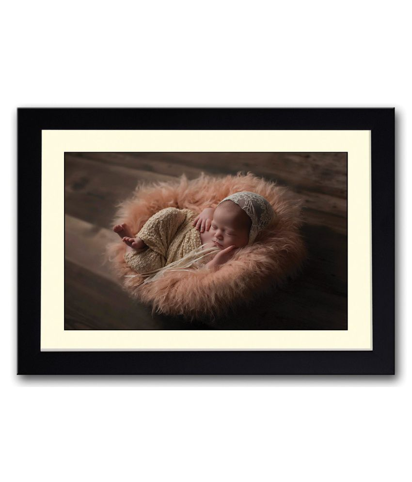 Artifa Matte Baby In Cute Orange Fur Basket Painting With Wood Frame