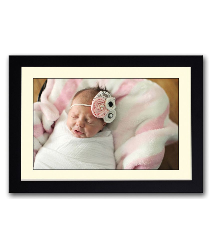 Artifa Matte Cute Baby Crying Painting With Wood Frame