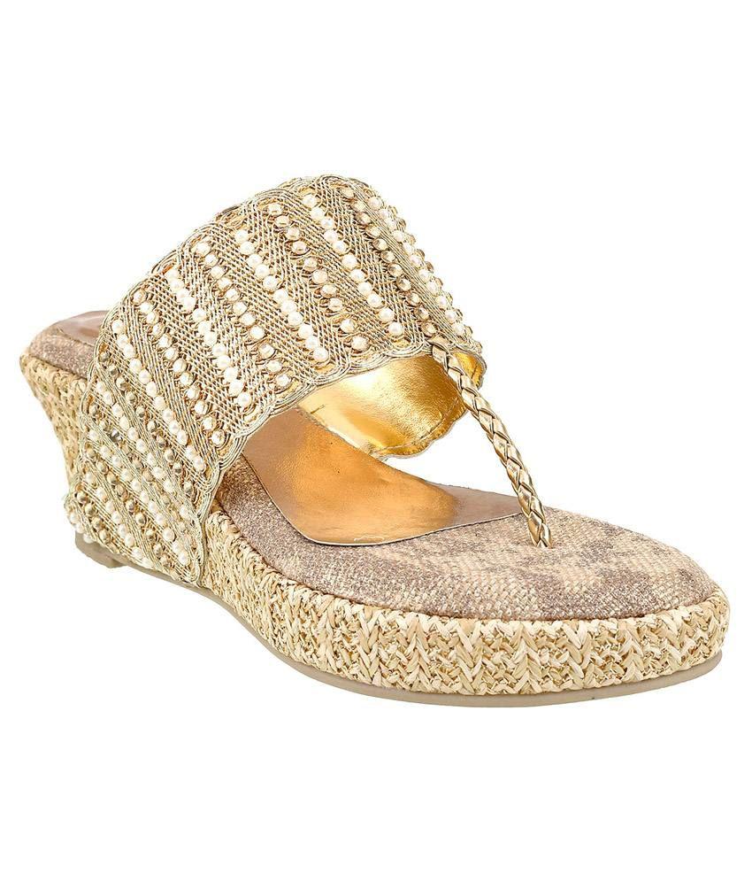 Siendo Desi Golden Heeled Slip Ons