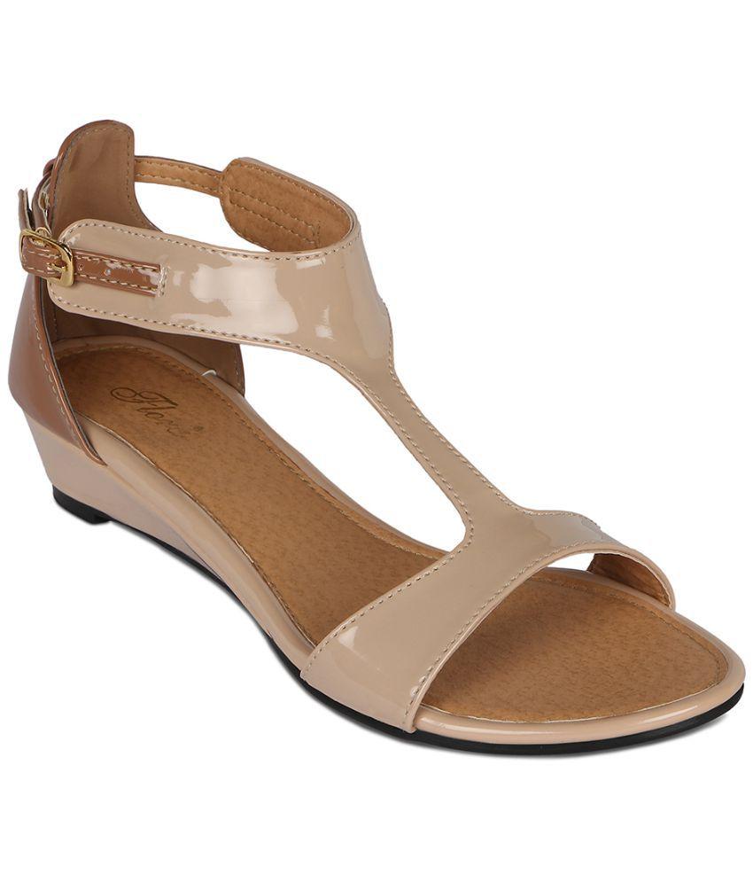 Flora Beige Sandal
