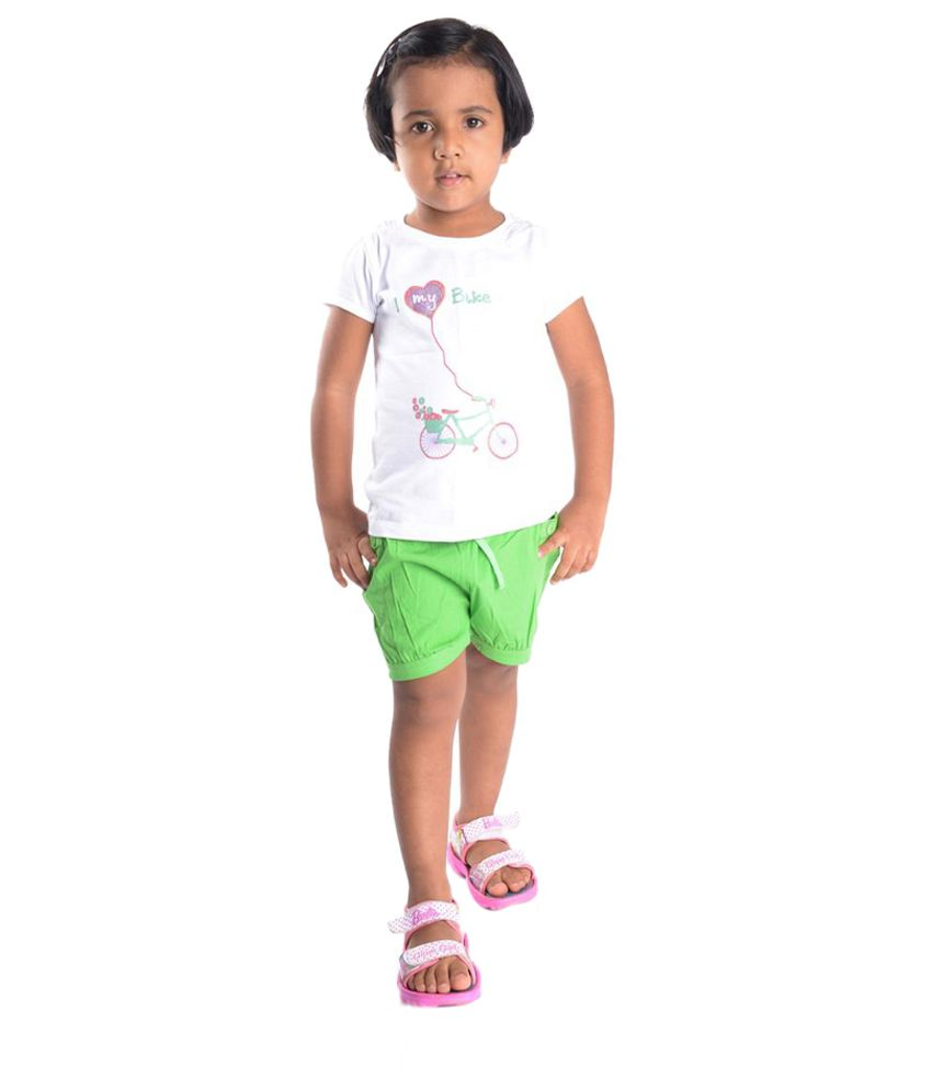 Oye Green Solid Shorts for Girls