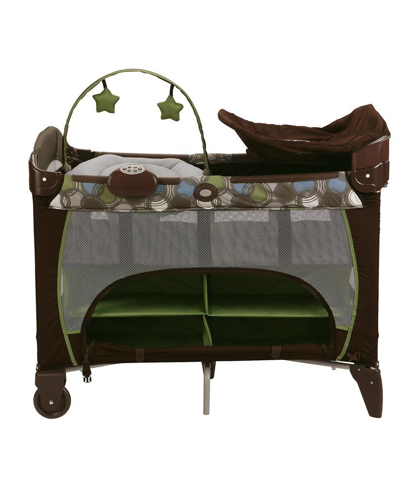 Graco Pack 'n Play Playard with Newborn Napper Station DLX - Roundabout
