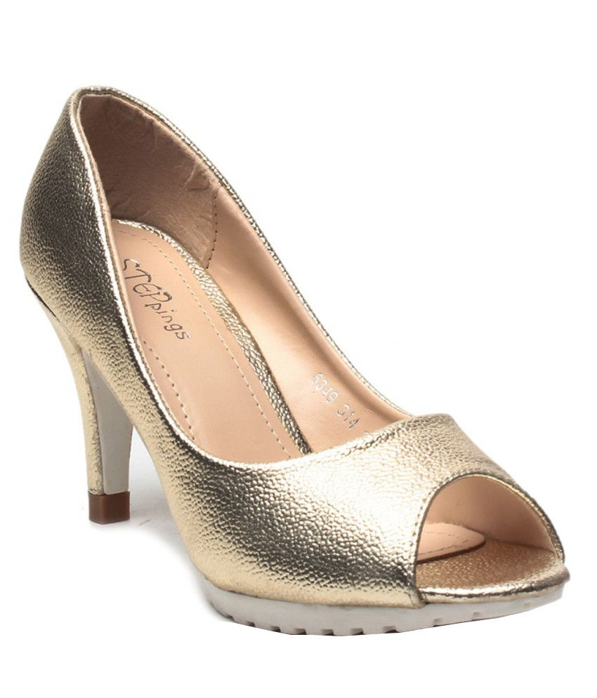 STEPpings Gold Heeled Pumps