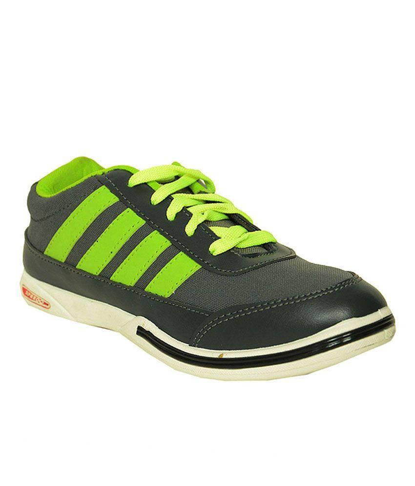 speedo black sports shoes price in india buy speedo black