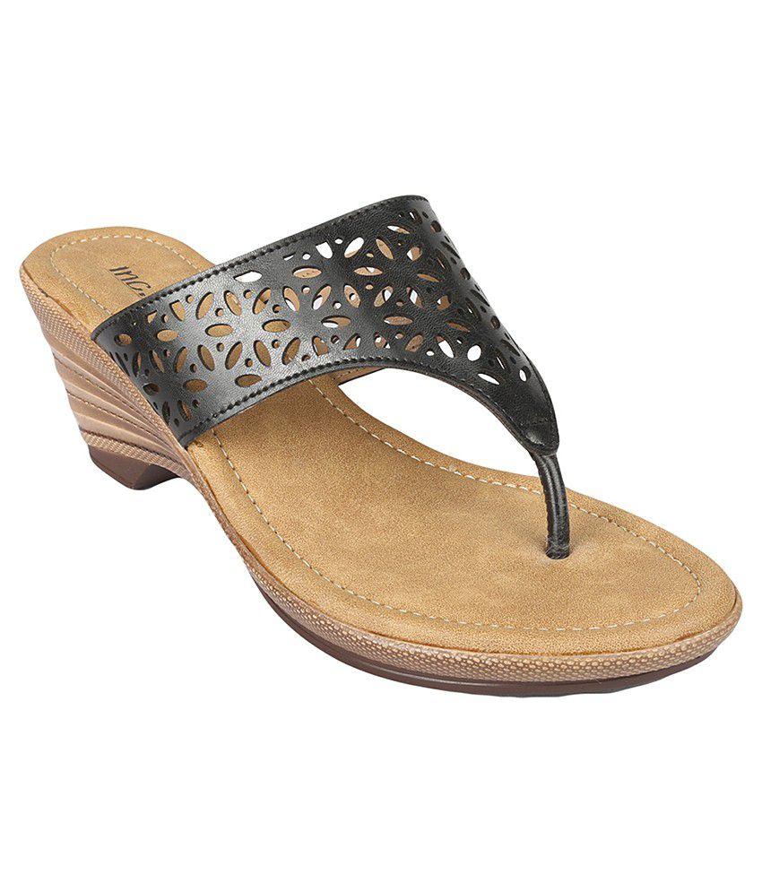 Inc.5 Black Heeled Slip-Ons