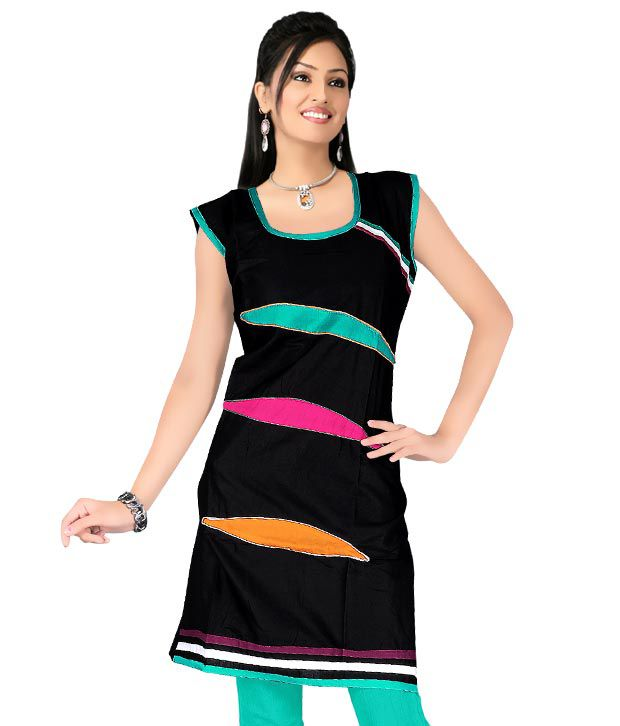 Priyanka's Classy Black Designer Kurti
