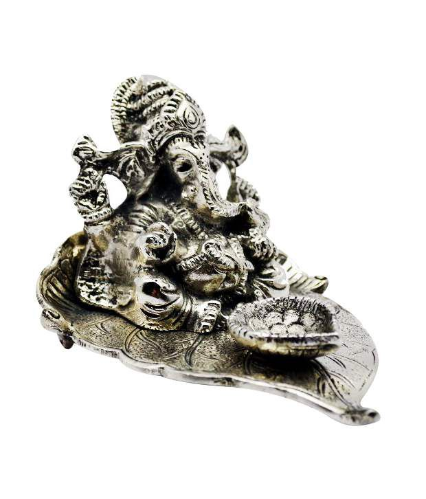 Golmaalshop Ganesha Sitting On Peepal Leaf With Deepak