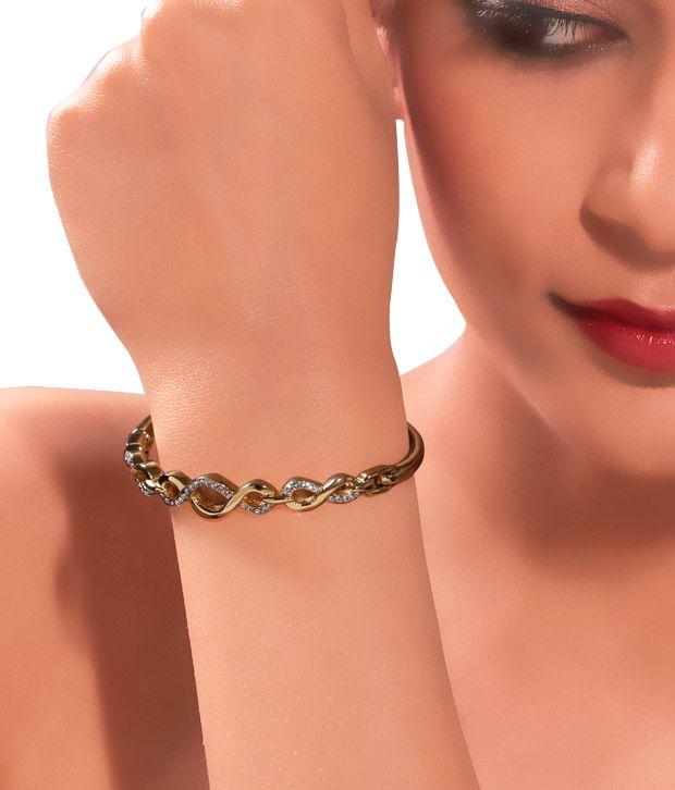 Kim's Glamorous Gold Bracelet