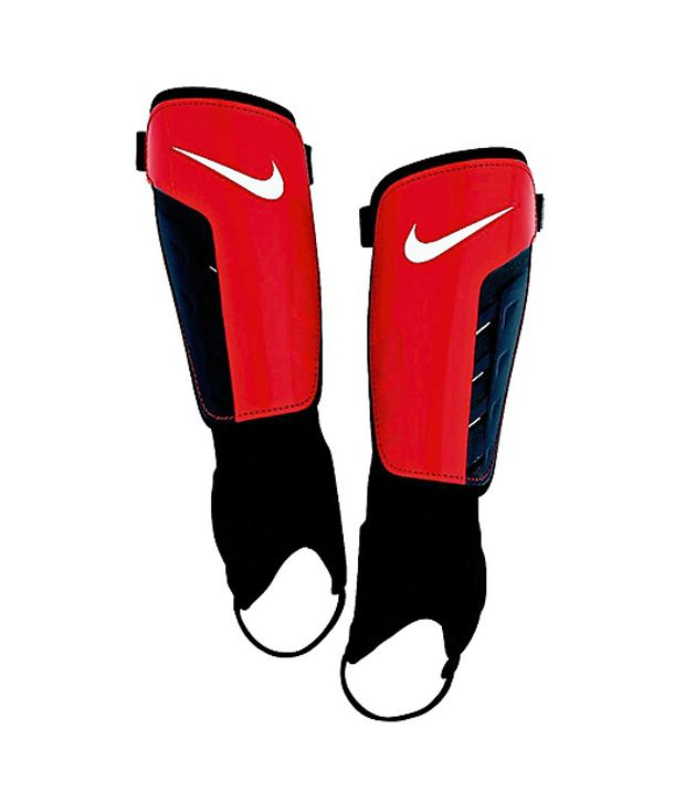 Nike Tiempo Park Shield Men S Football Shin Guards  Buy Online at Best  Price on Snapdeal cdf97bb5ea64