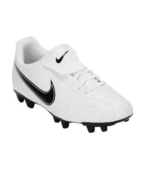 brand new bb808 41734 Nike Egoli FG White Football Studs Sports - Buy Nike Egoli FG White  Football Studs Sports Online at Best Prices in India on Snapdeal