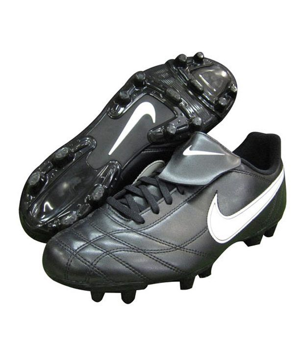 best cheap 4f715 e9d0d Nike Egoli FG Black Football Studs Sports - Buy Nike Egoli FG Black  Football Studs Sports Online at Best Prices in India on Snapdeal