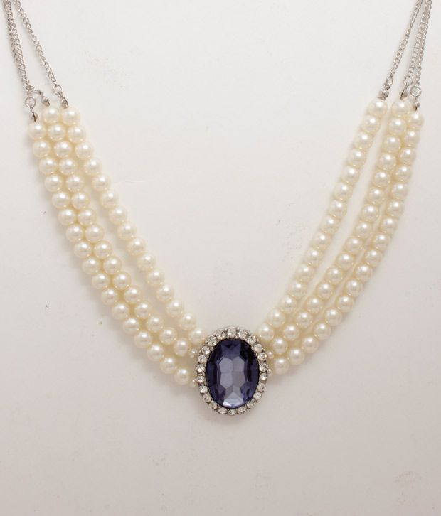 Famous Pearl Necklace From The Markets Of Hyderabad, India