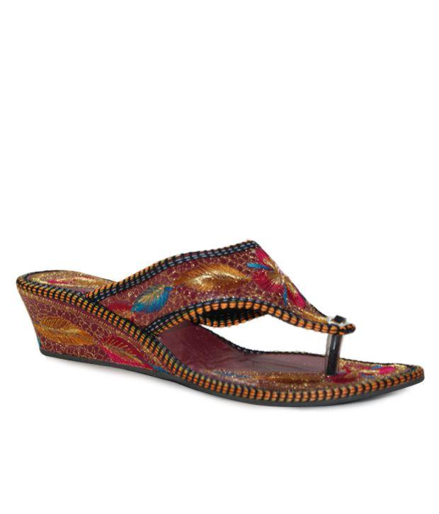 Desire of Shoes Maroon Jaipuri Slip-on Heels