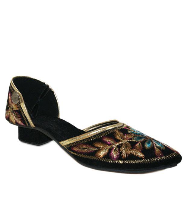 Desire of Shoes Ethnic Black Flat Sandals