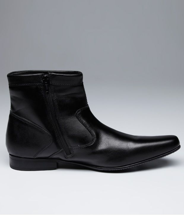 Red Tape Sturdy Black Boots