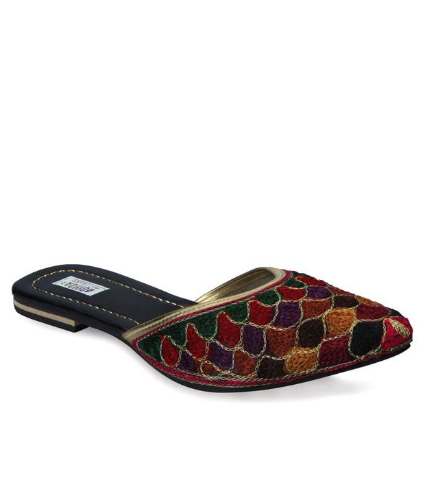 Ethnic Collection Black Synthetic Flats