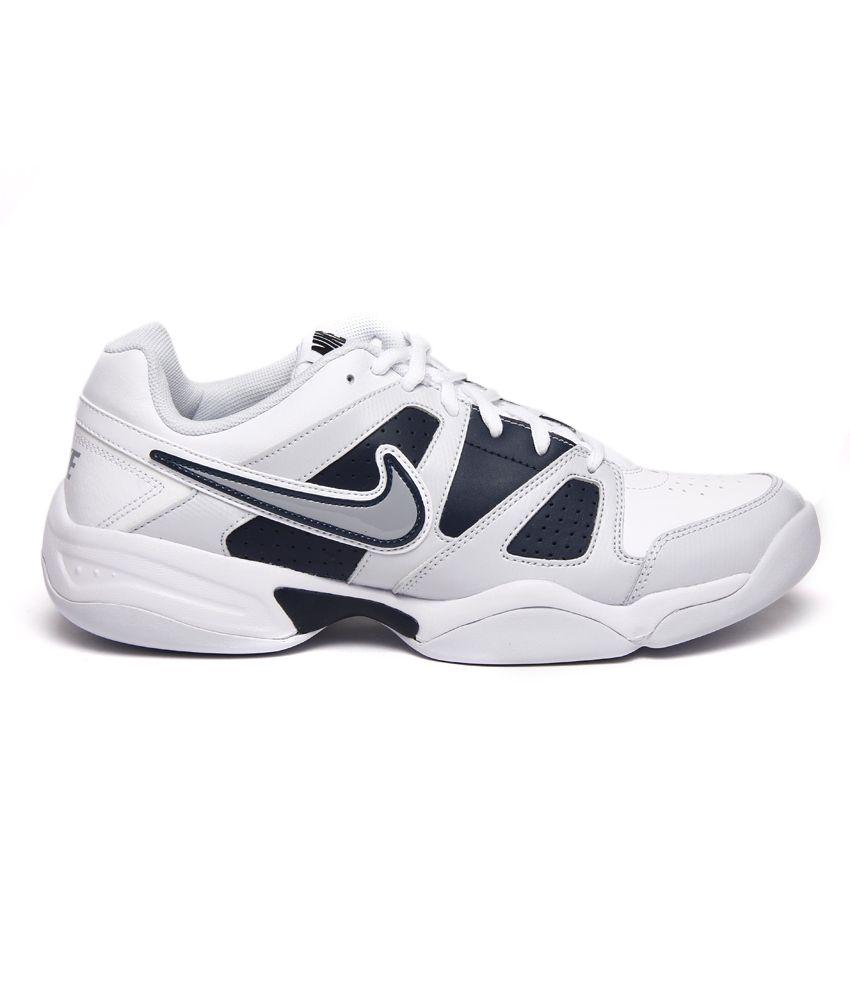 nike tennis shoes indoor