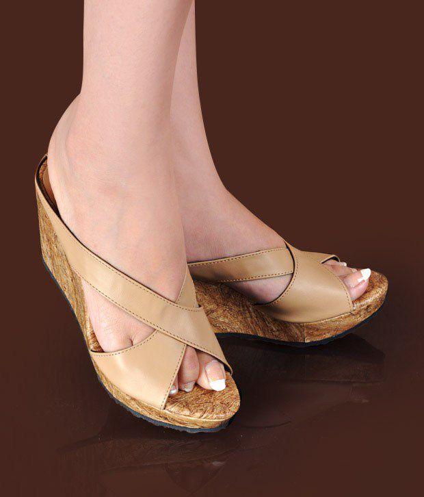 Butterfly Trendy Beige Slip-on Wedge Heels