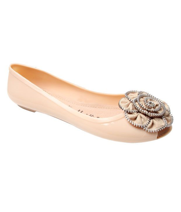 Catwalk Glossy Beige Belly Shoes