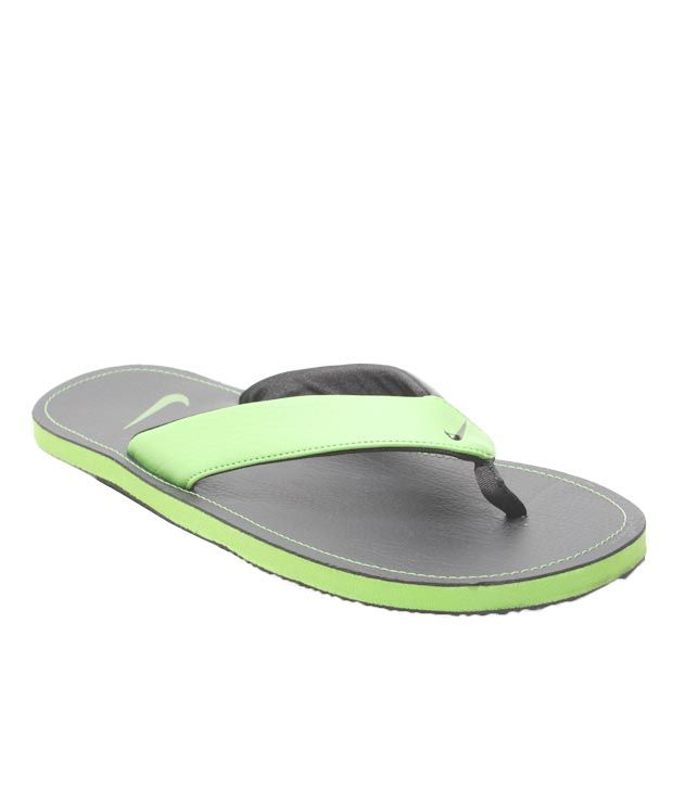 1c0b653ef177 Nike Chroma Thong II Slippers Price in India- Buy Nike Chroma Thong II  Slippers Online at Snapdeal
