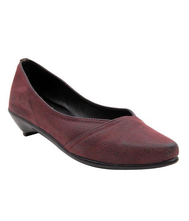 Sleek Sober Maroon Belly Shoes