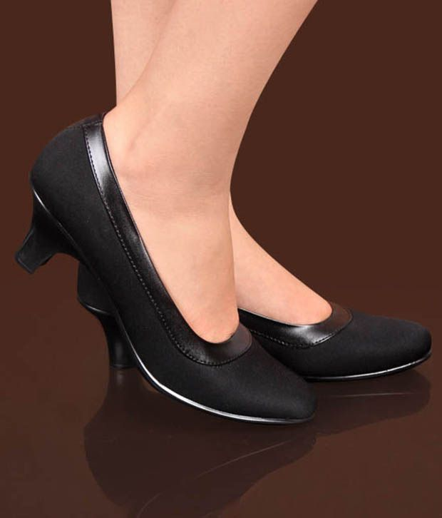 Xe Looks Voguish Black Belly Shoes