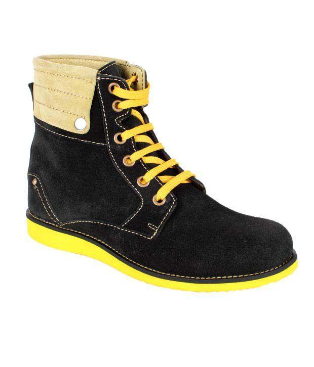 Mocas Spirited Black High Ankle Boots