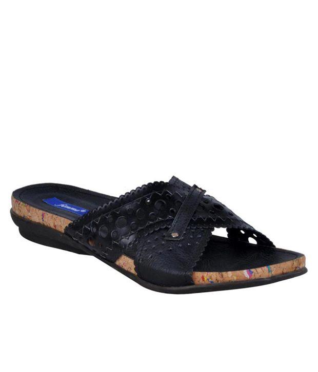 Femme Stylish Black Flats