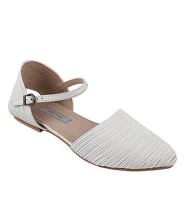 Metro Sober White Sandals