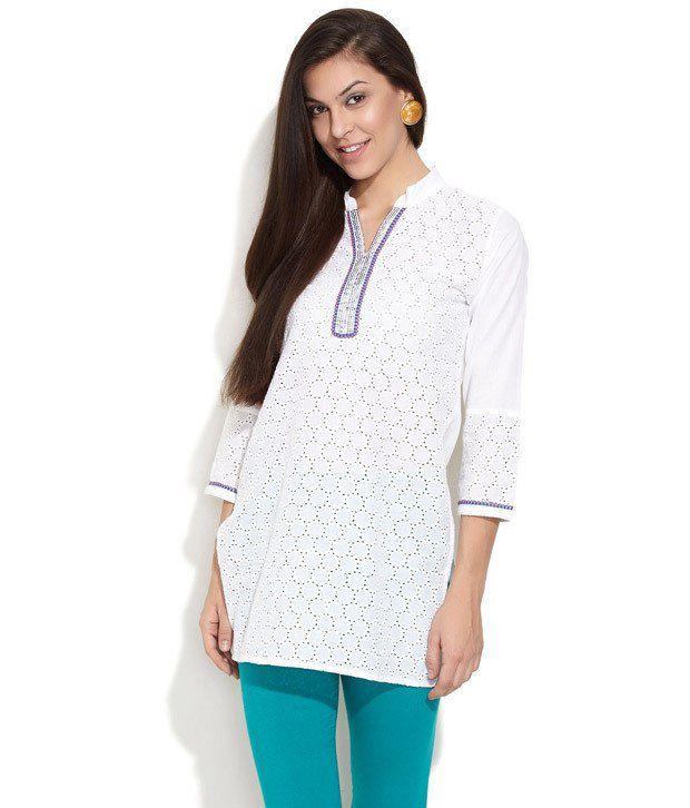 Dhwani White Printed Cotton 3/4th Medium Kurti