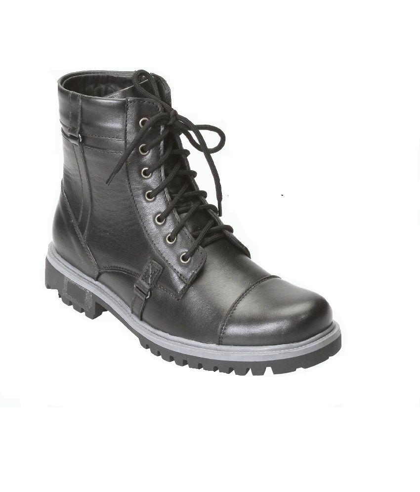 Banwood Black boots