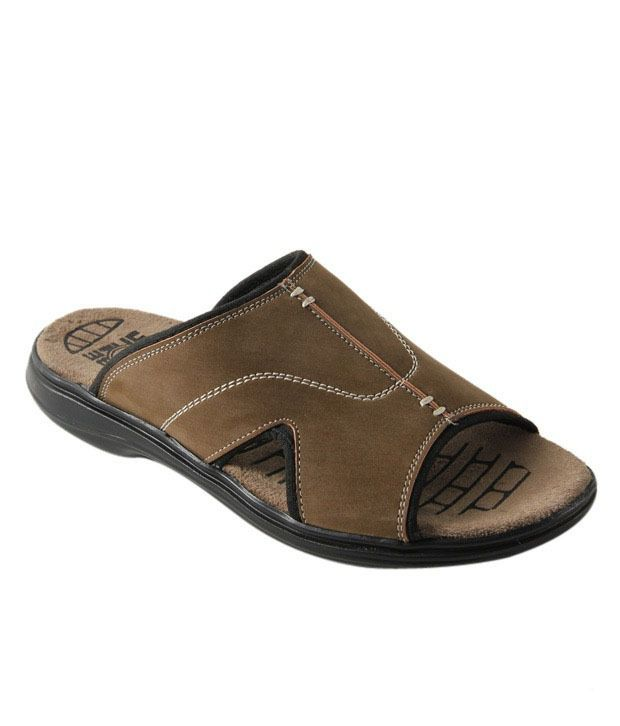 Roony Smart Brown Slip-on Sandals