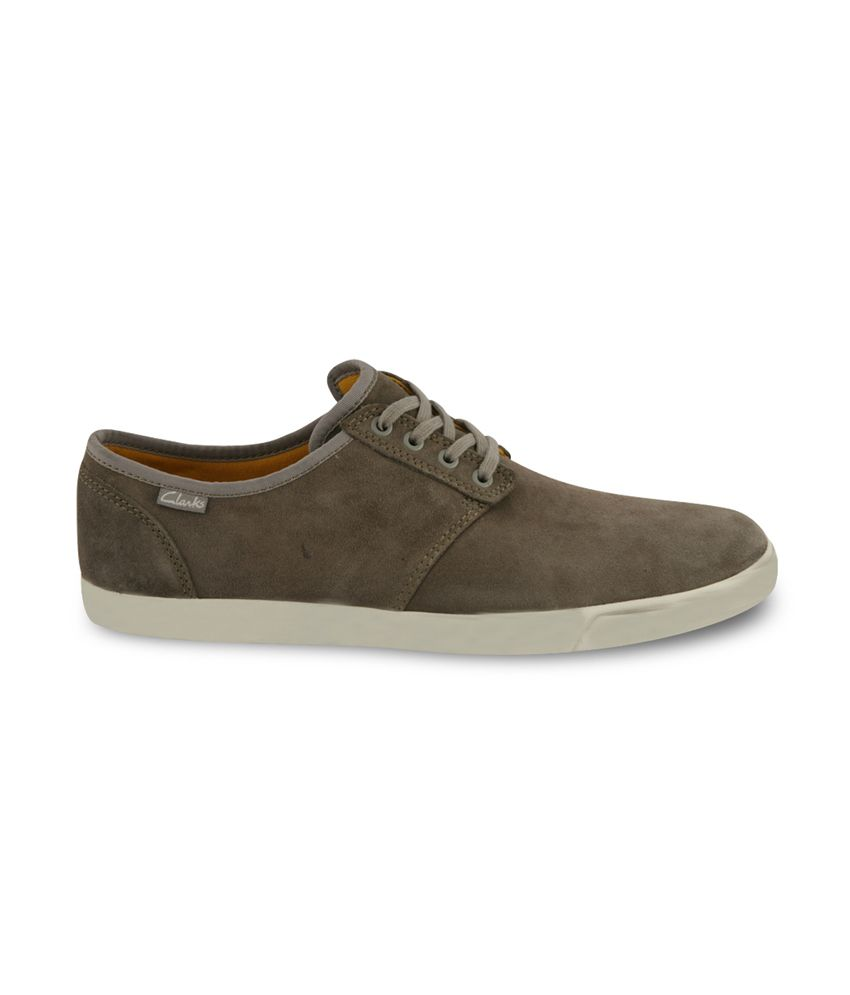 clarks men's torbay lace leather sneakers