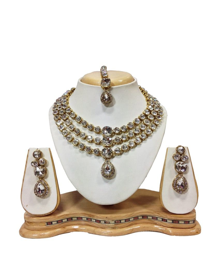 Mokanc Famous Crystal Jewelry Set in White
