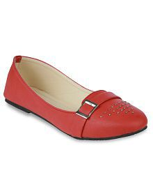 Studio 9 Red Casual Shoes
