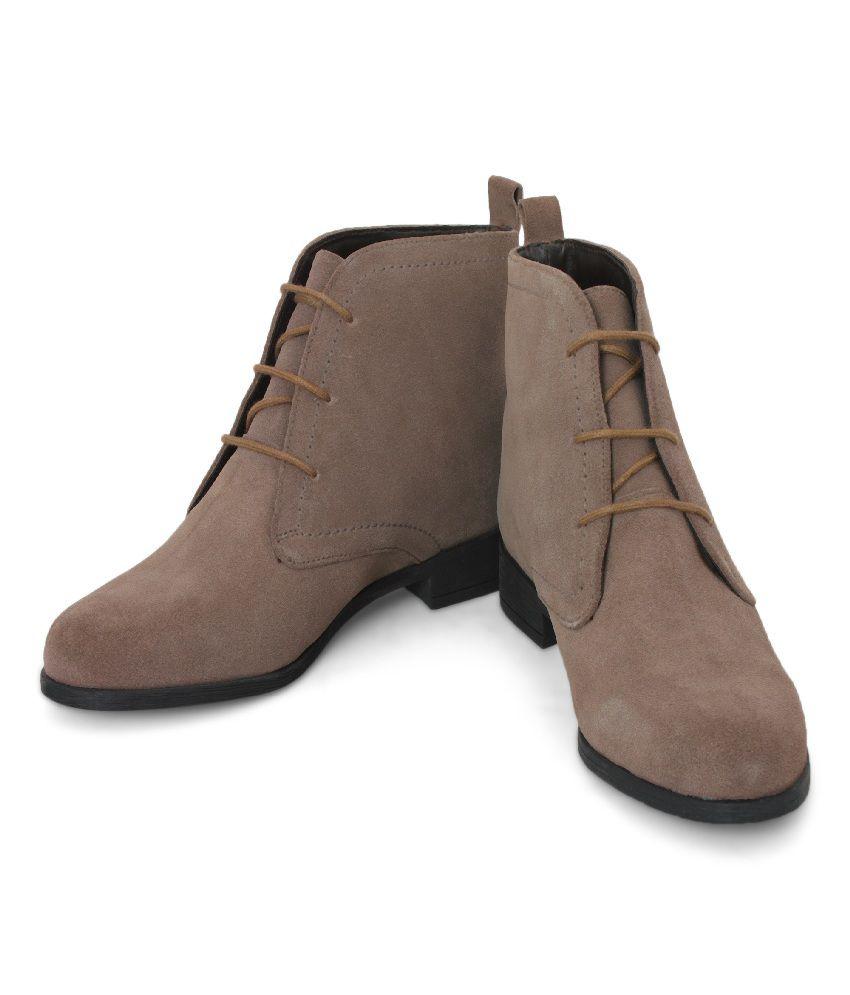 La Briza Brown Ankle length Boots