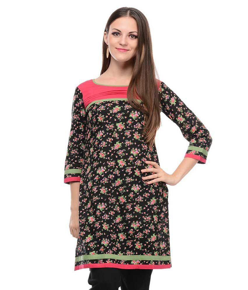 Sritika Black Cotton 3/4th Sleeves Knitted Printed Round Neck Kurti
