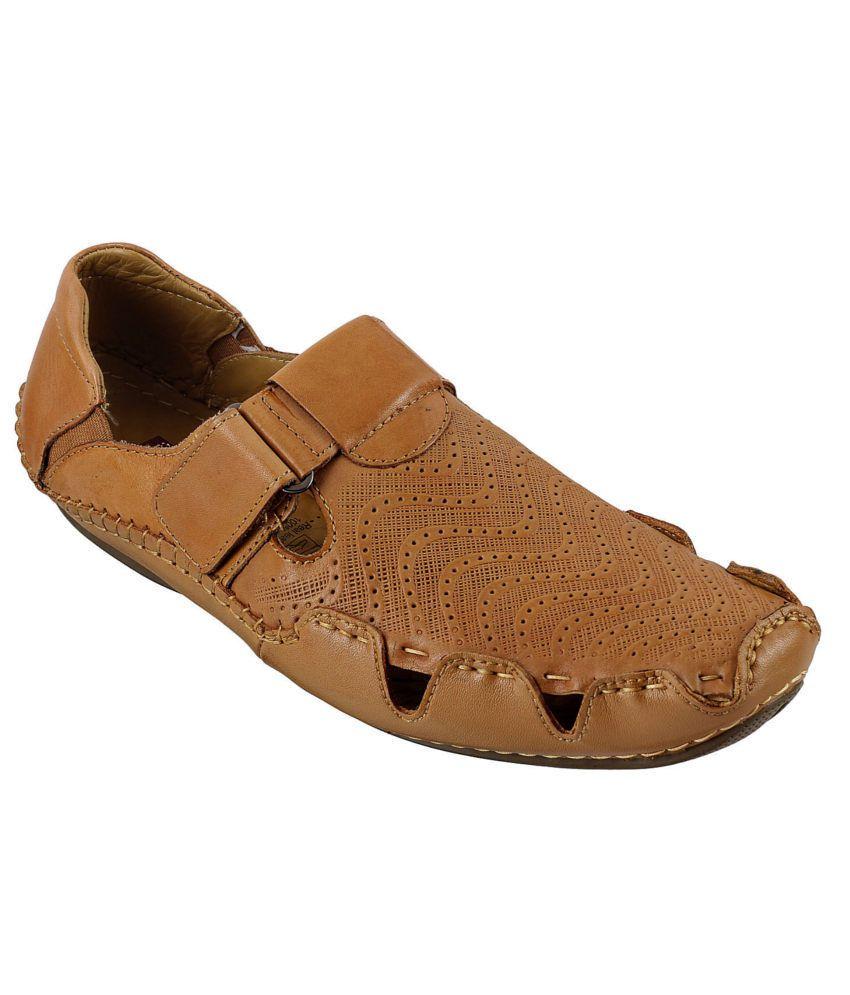 e6b602ff9ff Mochi J Fontini Tan Sandals Price in India- Buy Mochi J Fontini Tan Sandals  Online at Snapdeal