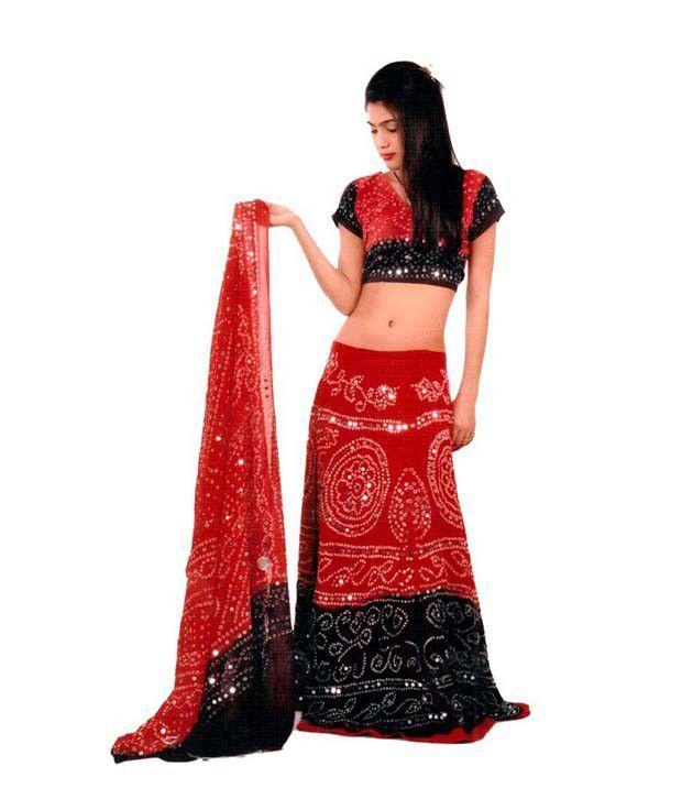Model  Perwani Wedding Lehenga Dresses Pakistani Occasions Lehenga Dress