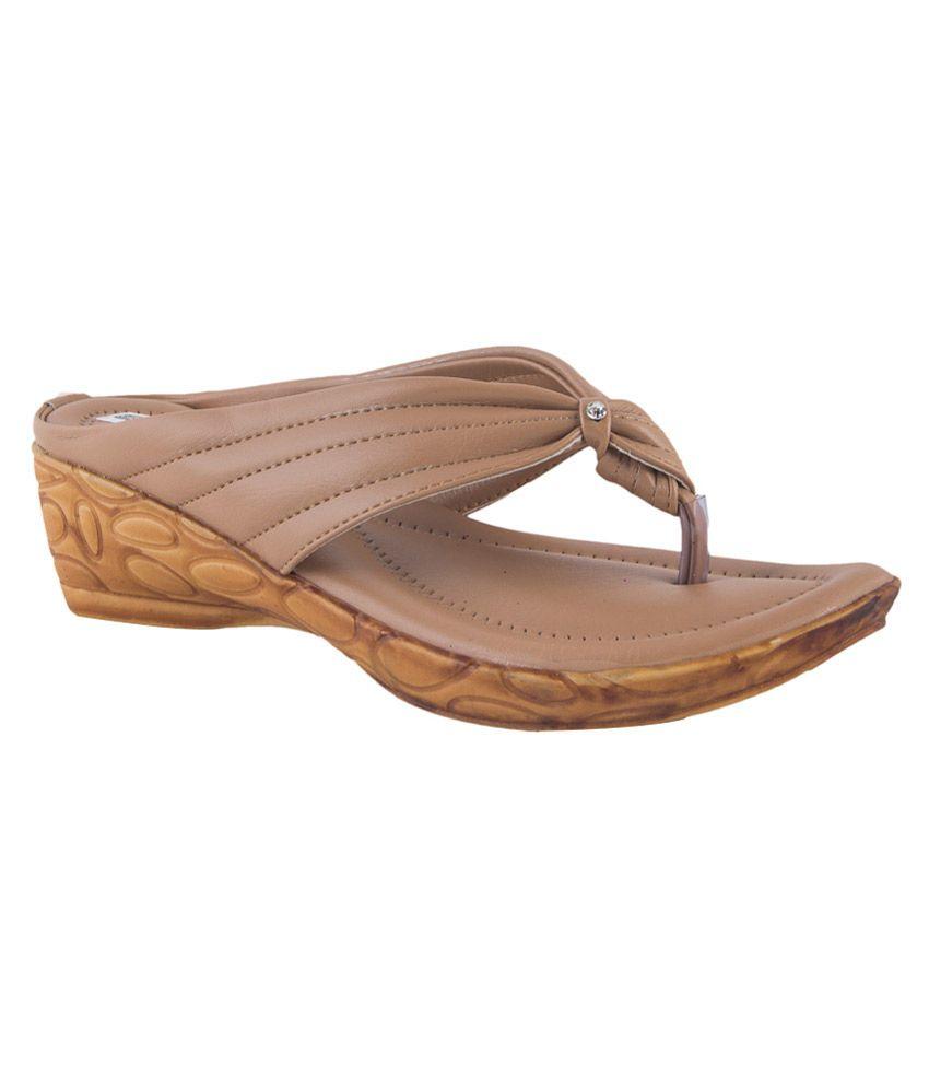 Pink Fever Beige Pu Women's Floater Sandal